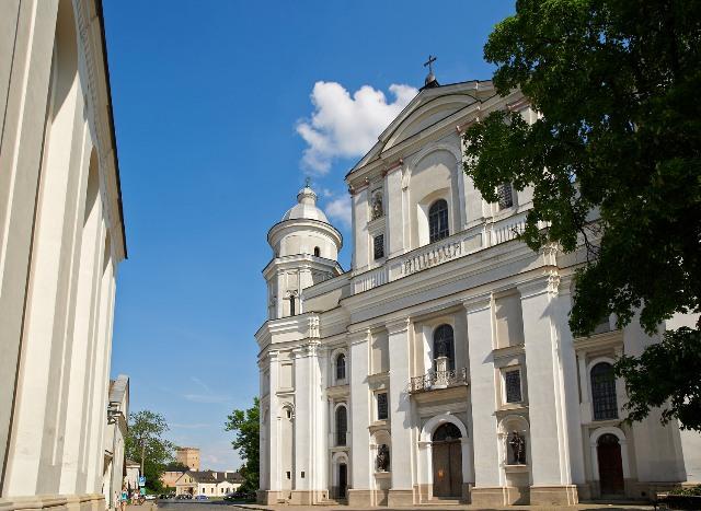 Petropavlovskij kostel photo