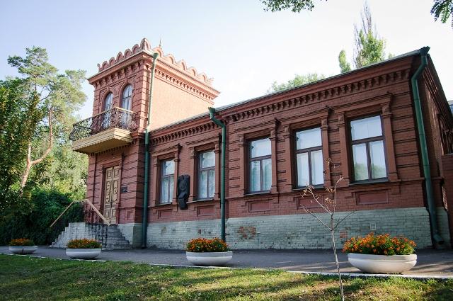 Memorial'nyj dom-muzej akademika D.I. Javornickogo photo