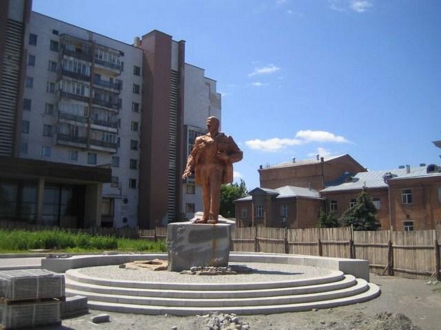 pamjatnik Vasiliju Simonenko photo